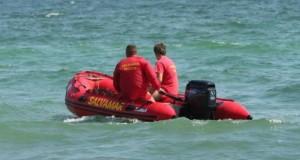 Clipe de groază la Neptun. Un bărbat a fost adus de valuri pe plajă