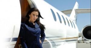 O stewardesă a fost suspendată după ce a publicat un clip… cel puţin controversat