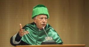 Un cardinal la o orgie sexuală şi drouri. Prietenul Papei, prins de poliție