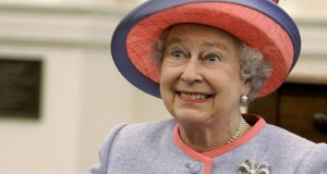 Regina Elisabeta a II-a: primul lucru pe care îl face dimineaţa