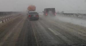 Trafic deviat pe Autostrada Soarelui, din cauza viscolului