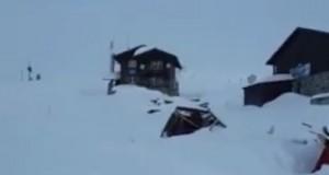 Avalanșă de mari dimensiuni la Bâlea Lac (VIDEO)
