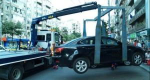 Primăria Capitalei vrea să ridice maşinile staţionate neregulamentar. Cât va costa recuperarea