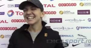 Simona Halep, în hohote de râs, după ce a ratat titlul la Doha