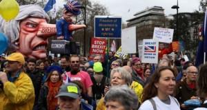 Protest MASIV în Londra. Peste 100.000 de oameni, în stradă pentru anularea Brexit