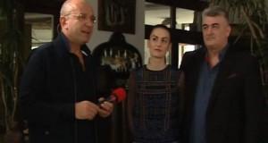 """Culisele caravanei """"România 2019"""". Cozmin Gușă și invitații săi, """"La Hanul cald"""""""