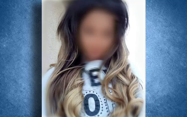 Elevă silită să-şi taie părul la școală. Ce a înfuriat-o pe dirigintă