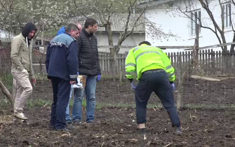 Oase și cenușă găsite în grădina unei femei din Botoșani. Concluzia sinistră a anchetatorilor