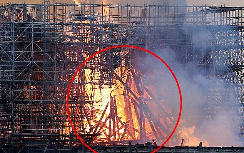 Dezbaterea lansată de o femeie. Ce a văzut într-o imagine cu incendiul de la Notre-Dame