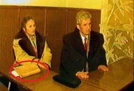 Ce avea mereu in poseta Elena Ceausescu. NIMENI n-a crezut una ca asta! Abia la EXECUTIE s-a aflat