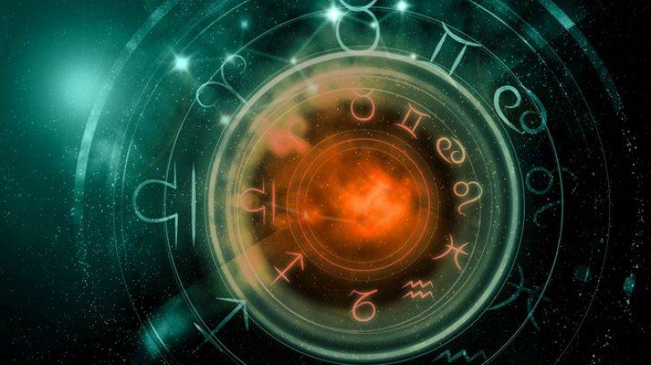 3 planete retrograde, începând din aprilie. Cum îți afectează tot anul