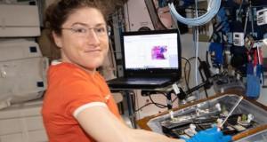 Femeia care va bate recordul NASA. Va petrece aproape un an în spațiu