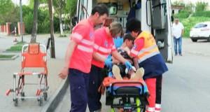 Copil înjunghiat pe stradă, în Iași, pentru o boxă