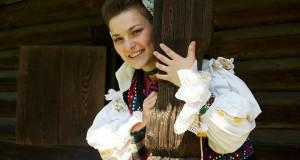 Cântăreața de muzică populară Măriuca Verdeș noi proiecte pentru Maramureș -Viitor măreț pentru Maramureș ( FOTO )