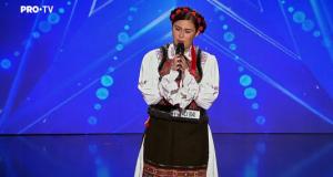 """Interpreta maramureșeancă  Andreea Ghițiu a facut show la emisiunea """"Românii au Talent"""""""