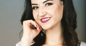 """Cea mai frumoasă colindă a interpretei Lavinia Pop este"""" Sus în Raiul plin cu stele""""- """"Sus în Raiul plin cu stele"""" colinda care intră în sufletele și inimile românilor( GALERIE FOTO )"""