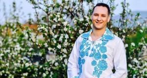 """Cele mai de succes melodii ale interpretului de muzică populară Ovidiu Peica sunt """" An de an de ziua ta"""" și """" Nu mă-nsor, nu mă-nsor""""-Melodia """"An de an de ziua ta"""" a lui Ovidiu Peica este o melodie cerută foarte mult de public"""