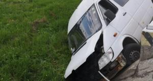 Accident cumplit în Cluj. Patru persoane, rănite. Imagini de la fața locului