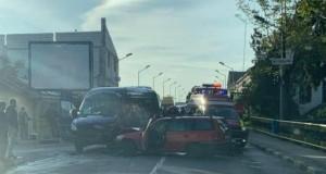 Accident teribil de circulație cu un microbuz cu 12 pasageri, la Târgu Jiu